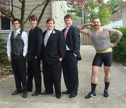 funny-awkward-prom-strongman