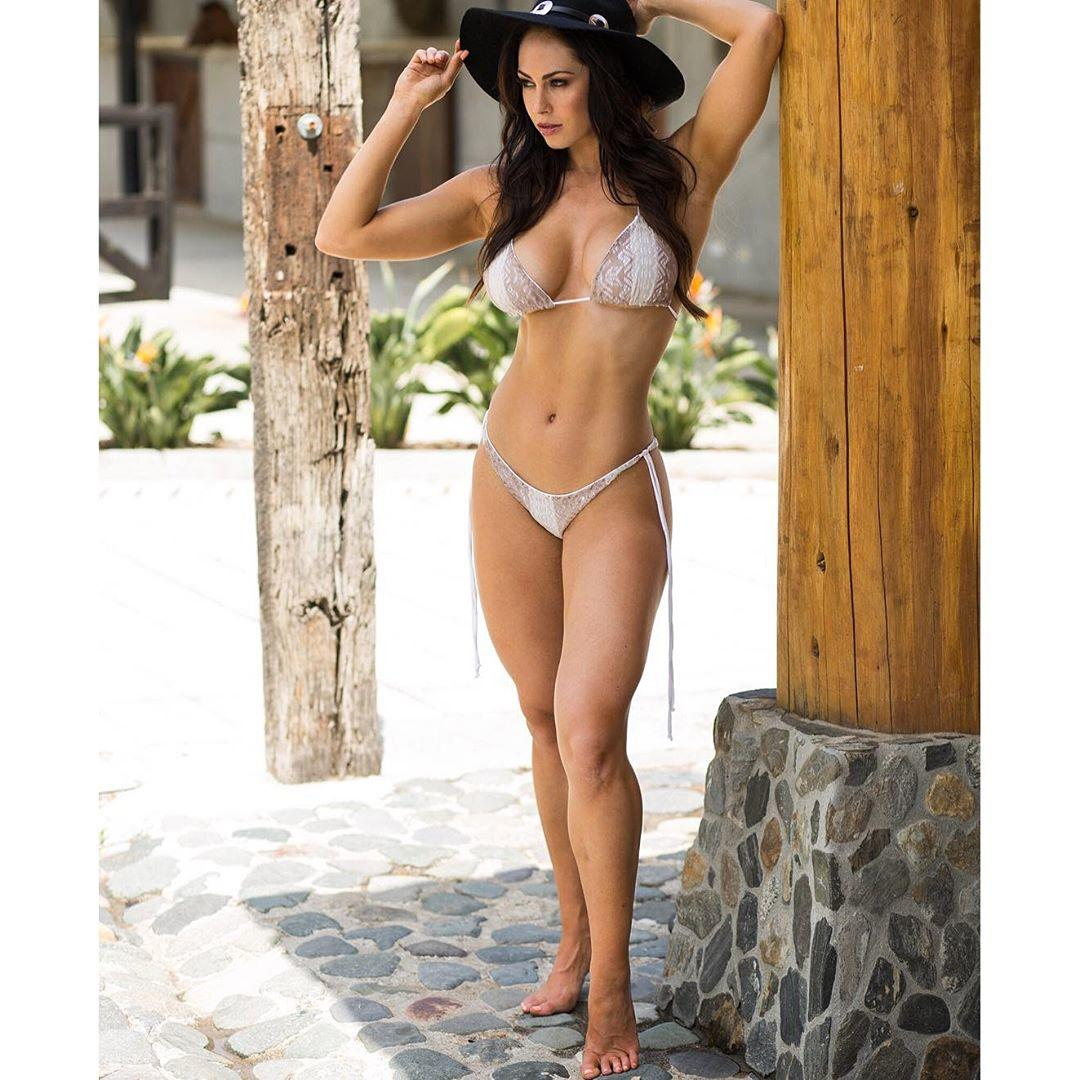 Hope Beel naked 827