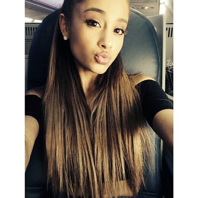 Ariana Grande 01